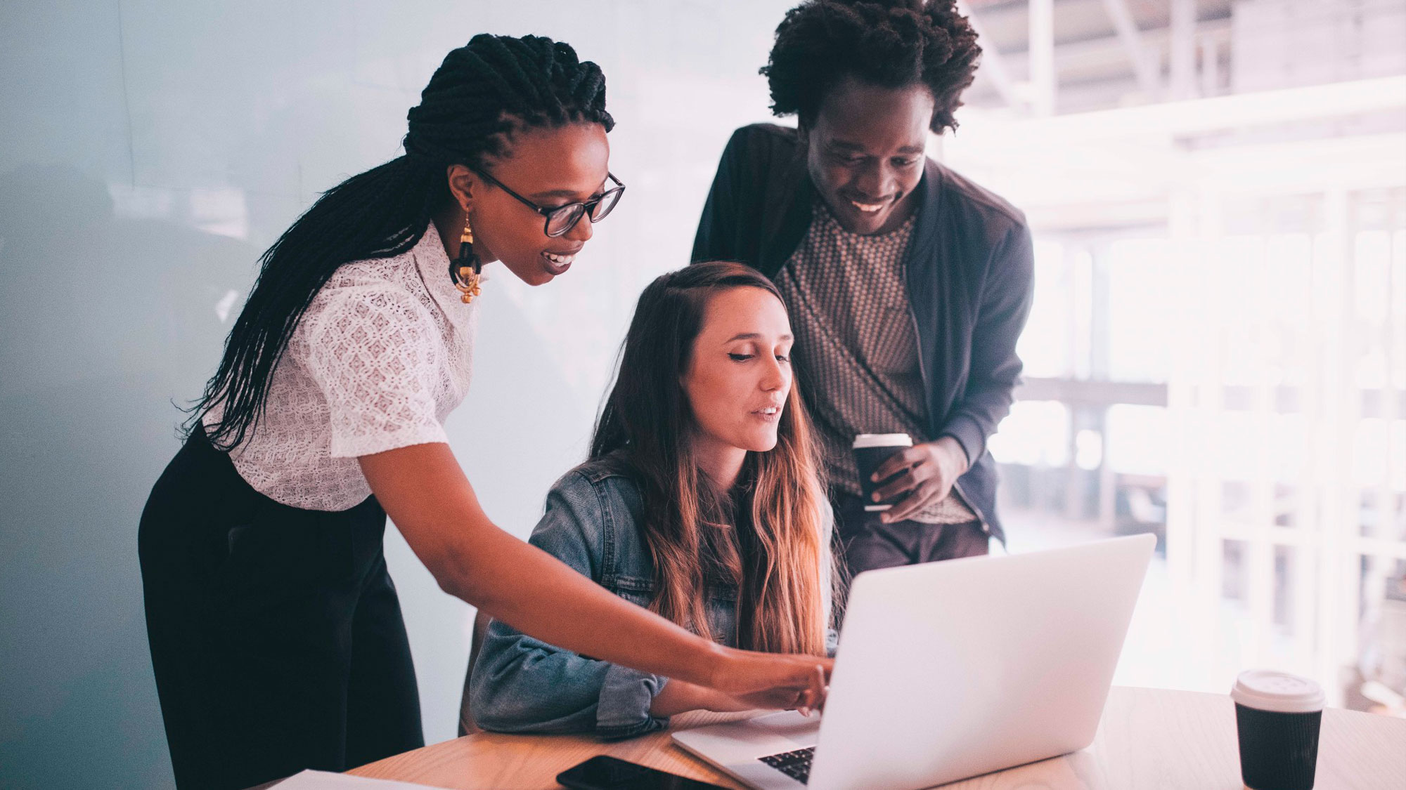 INCIPY casos de exito digital workplace pwc